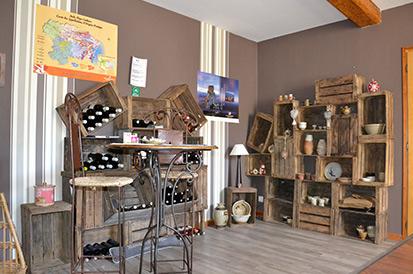 Accueil et Cave à vin du Camping La Mare aux Fées